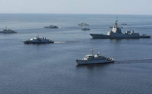 20 российских кораблей заблокировали флот США и НАТО на подходе к Крыму