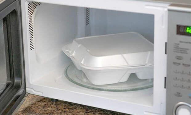 11 предметов и продуктов не для микроволновки