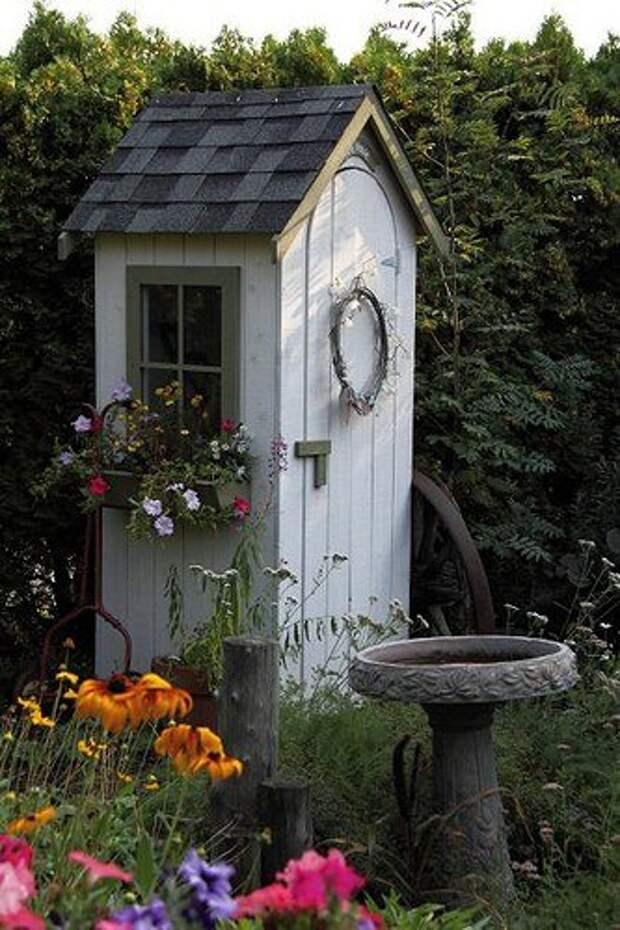 Оригинальные идеи садовых домиков