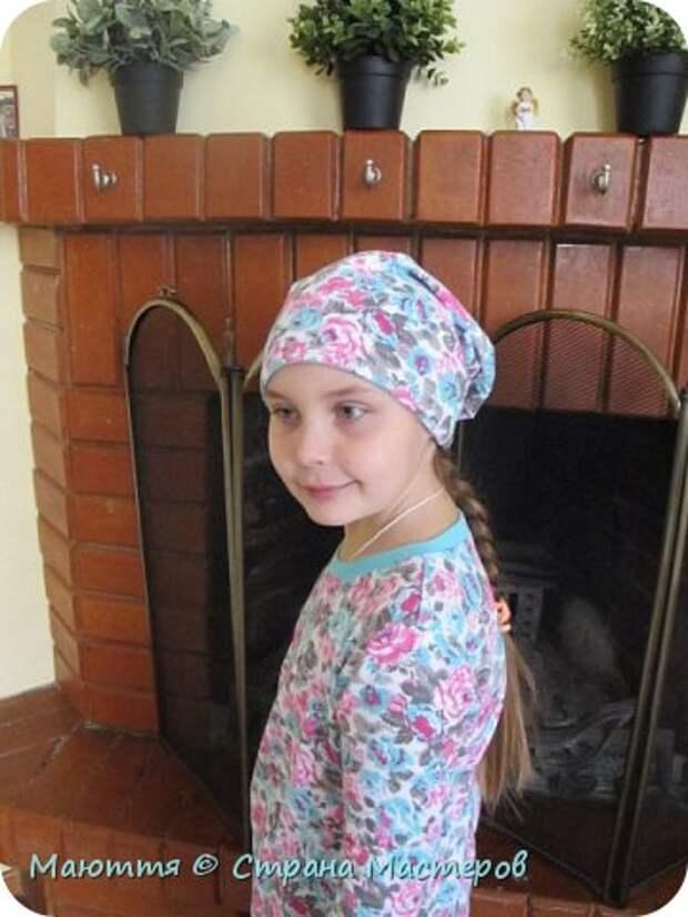 Из остатков трикотажа от лонга решено было сшить модную сейчас шапочку-бини. Она замечательно сидит на голове и смотрится отлично! фото 27