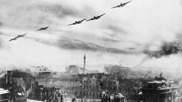 Шок для нацистов: как прошла первая бомбардировка Берлина войсками СССР