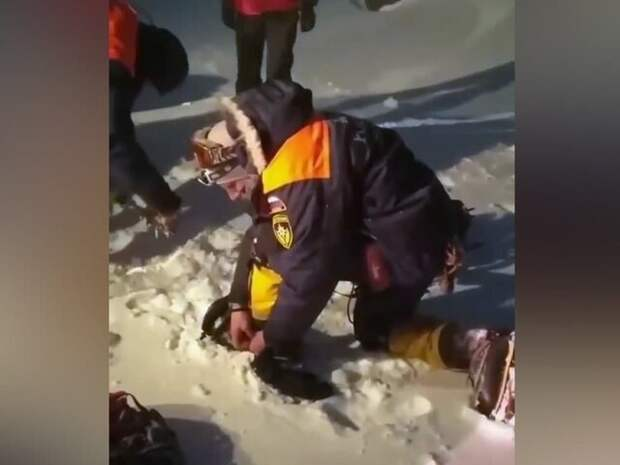 Сопровождавший альпинистов на Эльбрусе гид бросил группу