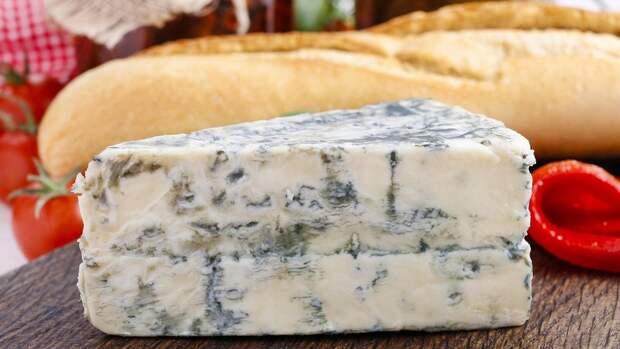 Кому какой сыр опасно есть?