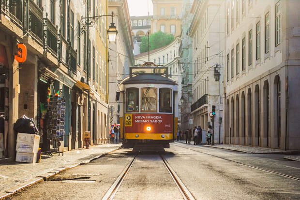 Tram 28 by Miguel  on 500px.com