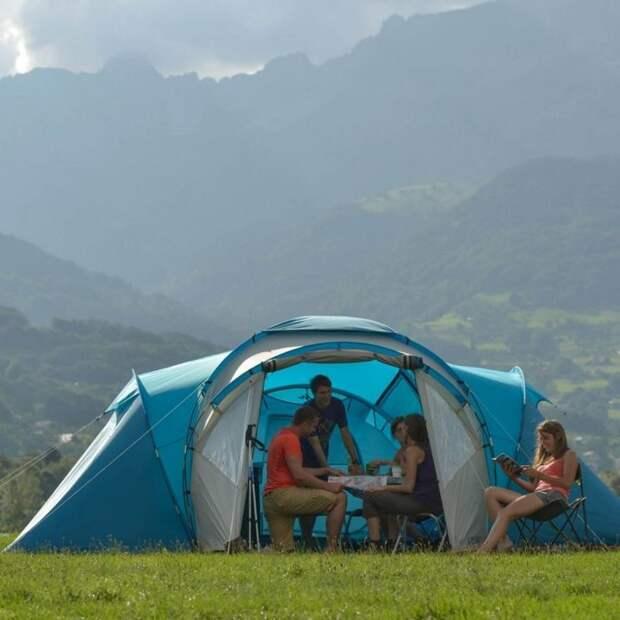 Палатка Quechua Arpenaz¬ Family – отличное решение для большой компании. /Фото: images-na.ssl-images-amazon.com