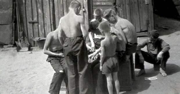 Что взрывали и хлопали мальчишки в СССР, когда не было петард