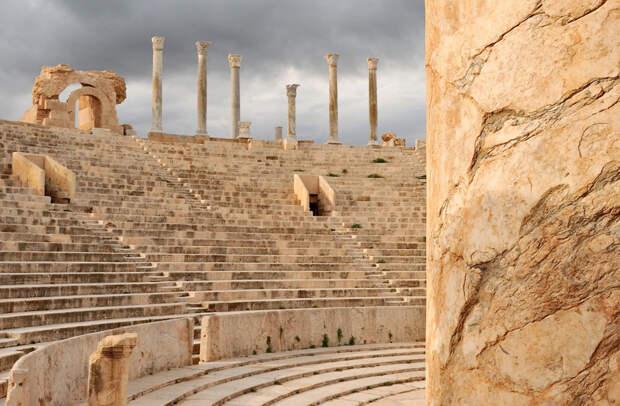 Лептис-Магна — древний город на территории современной Ливии, который благодаря своей планировке получил название «Рим в Африке»