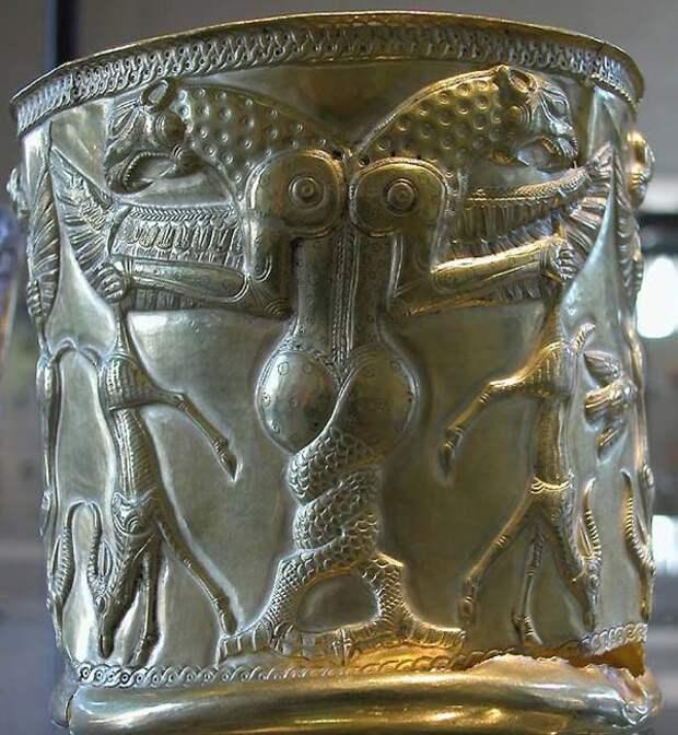 апи-с двумя головами-3000 лет назад-Гилян-север Ирана