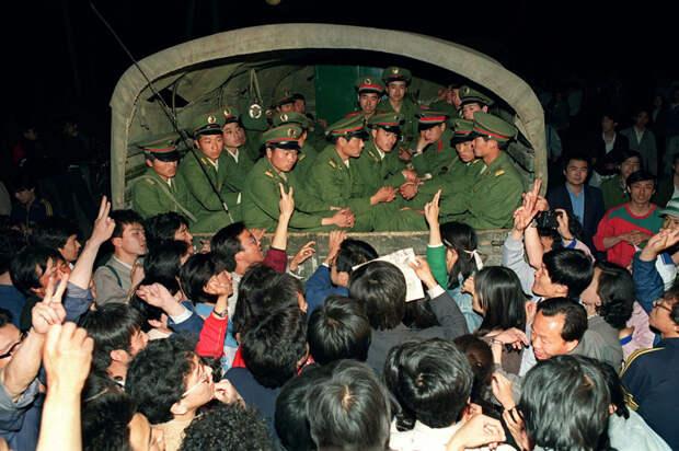 Китайский майдан-89 и его могильщик Дэн