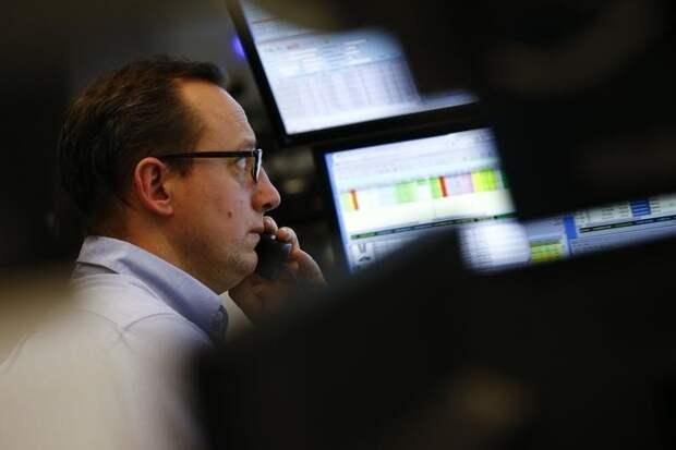 Капитализация российского рынка акций Московской биржи в секторе Основной рынок на 24 сентября снизилась на 0,31% и составила 64123,085 млрд руб.