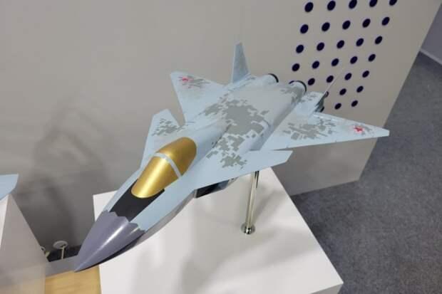 На авиасалоне МАКС-2021 показали истребитель МиГ-49