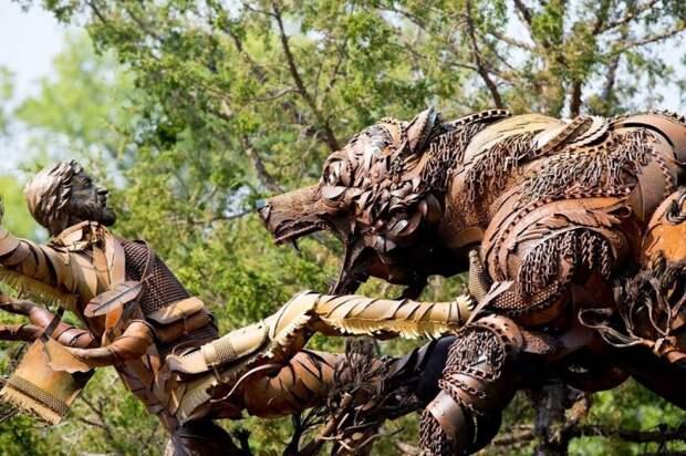 Памятник,сделанный из железа.
