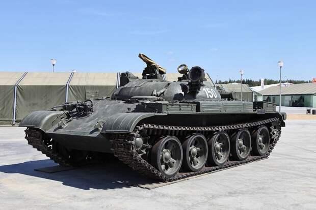 """Гусеничный """"Дракон"""": чем примечателен советский ракетный танк ИТ-1"""