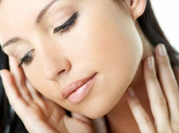 Небольшие усилия по уходу за кожей лица и шеи