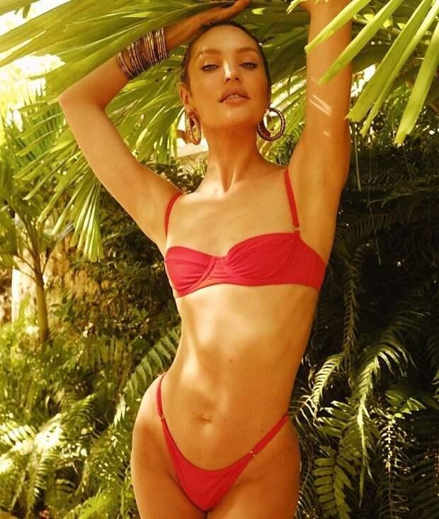 Ангел Victoria's Secret Кэндис Свэйнпоул демонстрирует безупречную фигуру в купальнике
