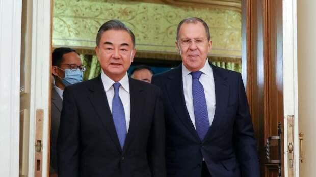The Trumpet: союз России и Китая станет разрушительной силой против США