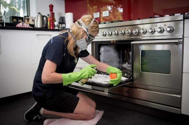 Современные производители предлагают множество моющих средств для духовок / Фото: olaladirectory.com.au