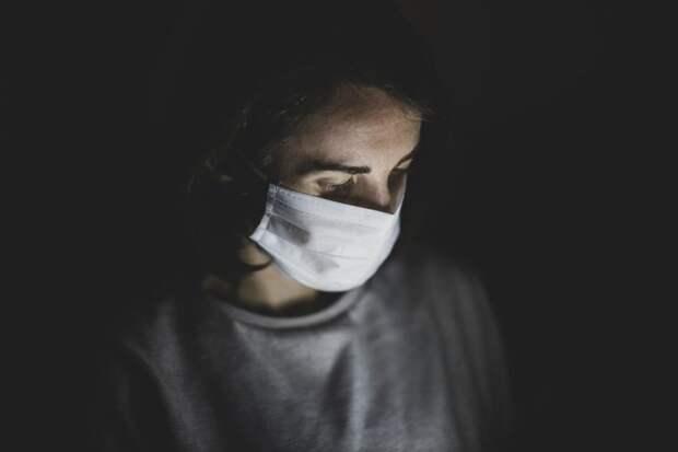 Из-за коронавируса снова запрещают ходить в гости