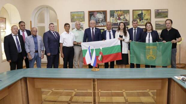 Судак и болгарский город Первомай подписали договор о побратимских связях