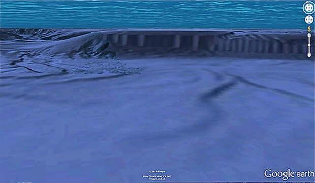 Подводный артефакт у берегов Калифорнии.