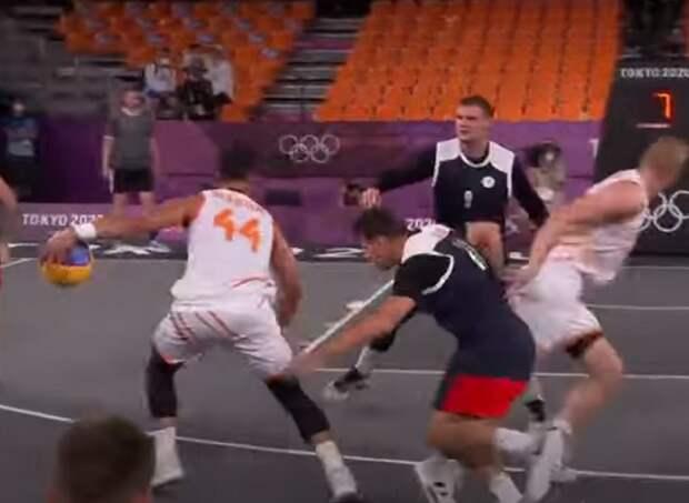 Пора бы и «запариться» результатами: мужская сборная России по баскетболу 3х3 проиграла Польше и выпала из зоны плей-офф