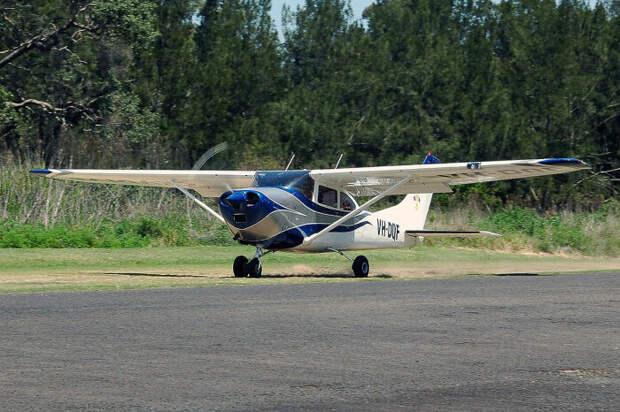 Cessna 182 похожа на самолет, который исчез. / Фото: www.wikimedia.org