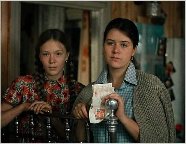 """""""Любовь и голуби"""". Какими стали дочери Василия Кузякина?"""