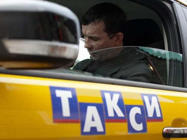 Столичные таксисты решили забастовать