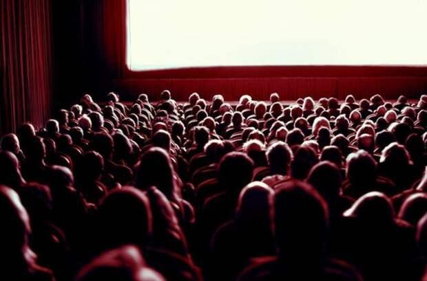Кино мы так и не посмотрели!