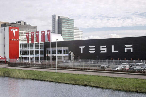 Впервые в истории Tesla получила годовую прибыль