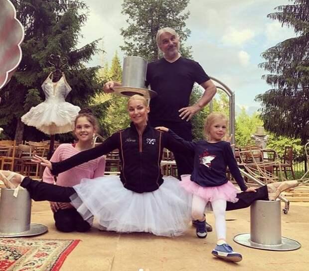 В Сети осудили Волочкову якобы за негуманную эксплуатацию девочки-гимнастки