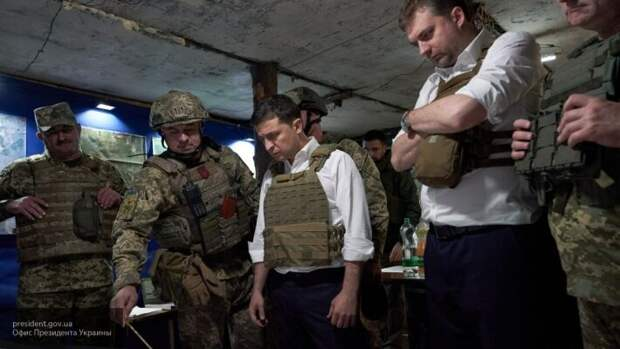 Кузьмин рассказал, как власти Украины зарабатывают на конфликте в Донбассе