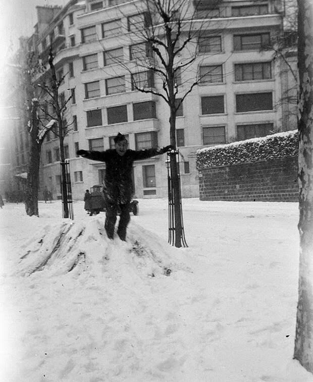 Освобожденный Париж, 1944