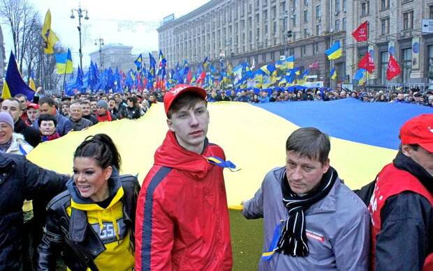 «Нормальные украинцы сами должны навести у себя порядок…» – верно ли это утверждение?