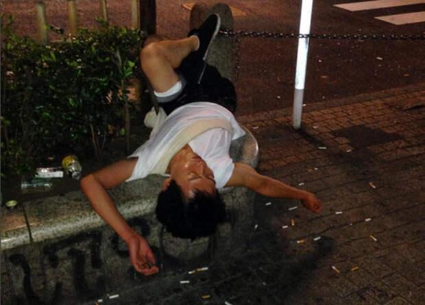 Отравившиеся ириской: австралиец выкладывает в Instagram зверски пьяных японцев