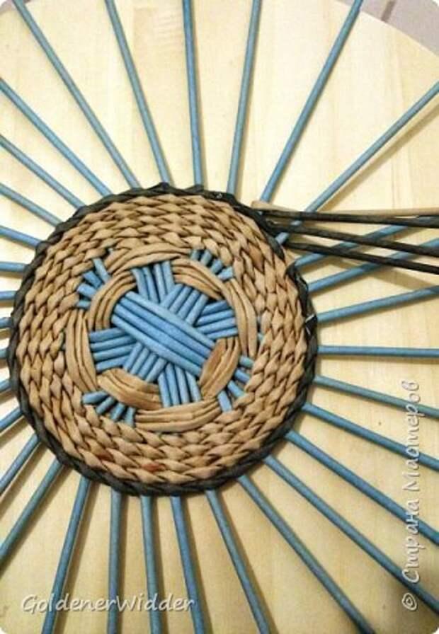 Мастер-класс Плетение Панно 40 см Спиральное плетение Бумага газетная Трубочки бумажные фото 7
