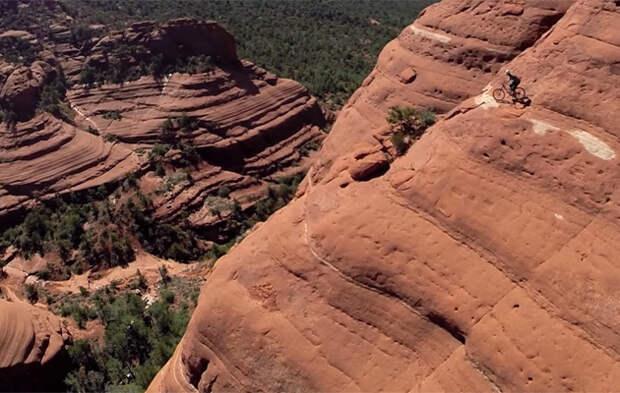 Как проехать по отвесной скале, передумать и вернуться назад