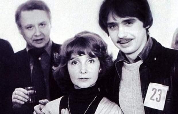 Людмила Крылова с мужем и сыном Антоном | Фото: uznayvse.ru