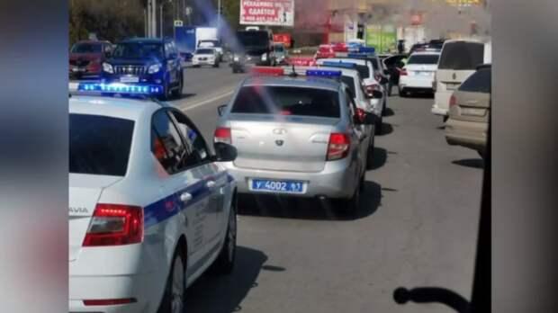 Полиция, военные иРосгвардия оцепили овощной рынок «Алмаз» вАксае