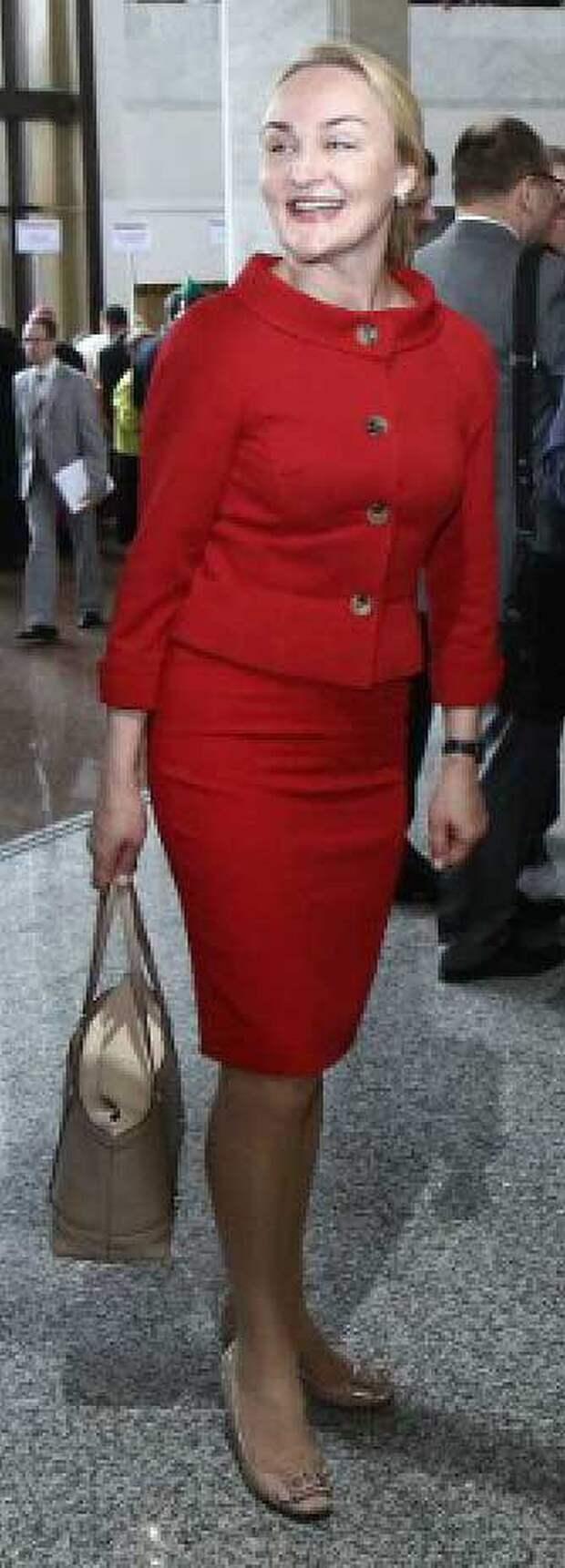 Предполагаемая мама Коли Ирина Абельская - главный врач Республиканского медицинского центра управления делами президента.