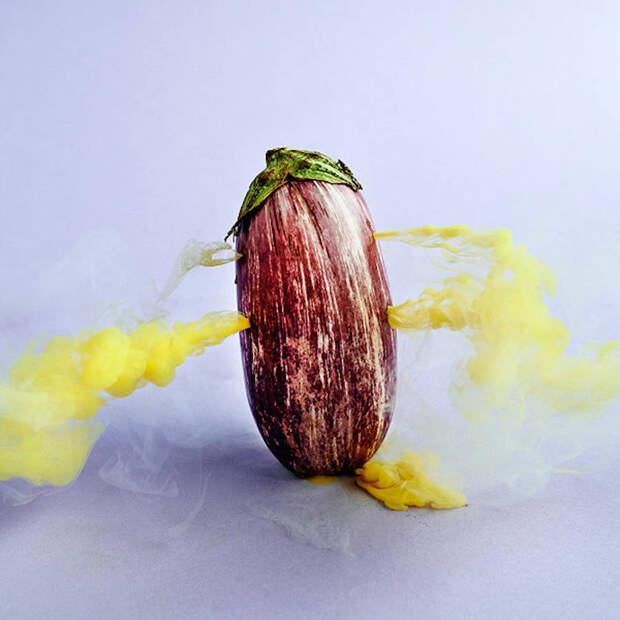 Овощи и фрукты в тумане
