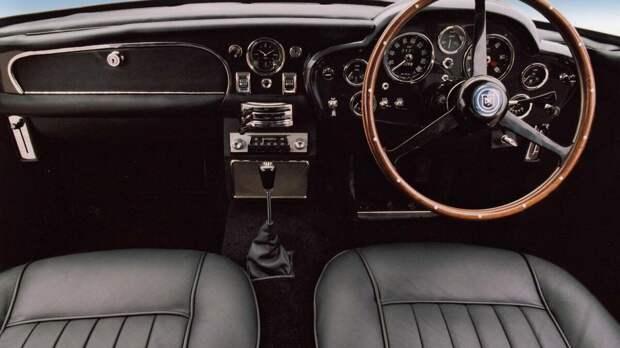 Aston Martin начинает сборку легендарного DB5