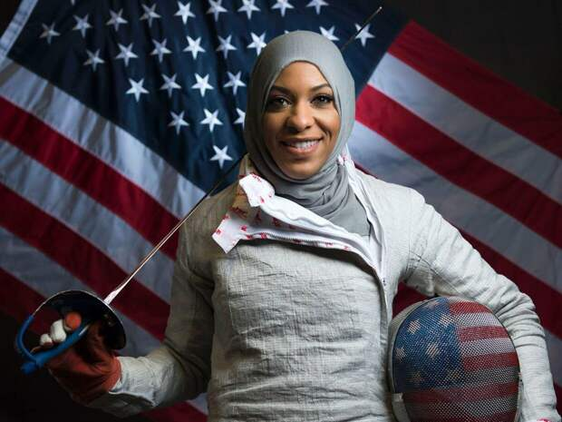 Американки или россиянки? Западный русофоб рассказал, что объединяет феминизм и хиджаб