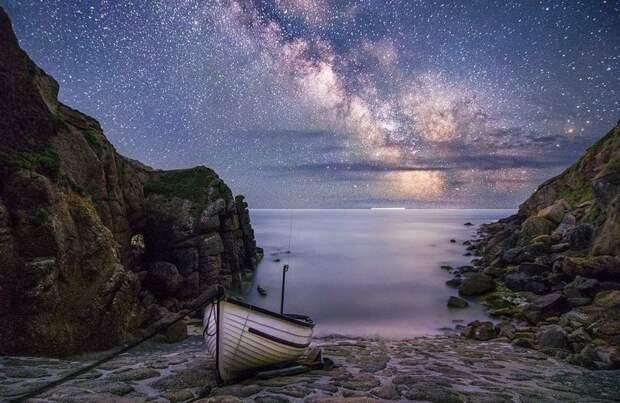 Победу в молодежной номинации (участники до 17 лет) Джозефу Фицджеральд-Патрику принес снимок бухты в Корнуолле