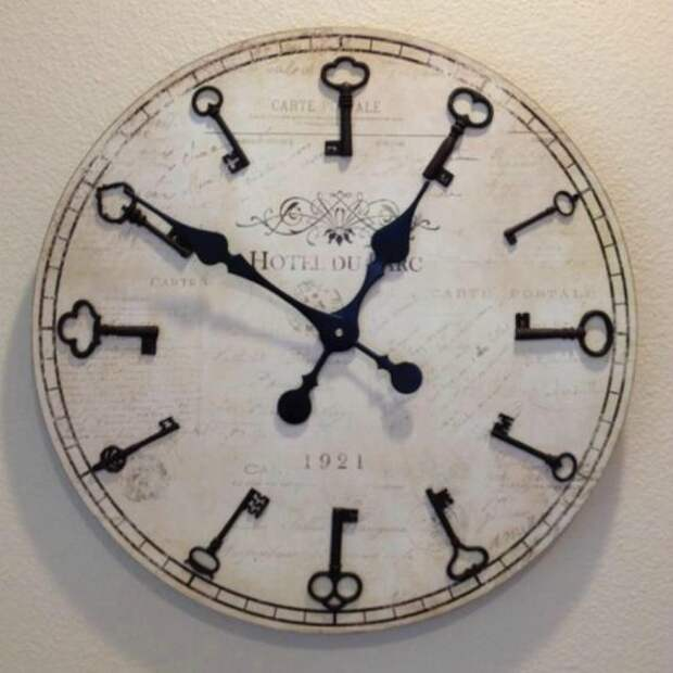 часы из ключей