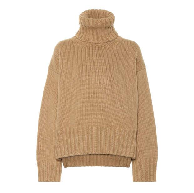 Носим крупные цепи поверх свитеров с высоким горлом