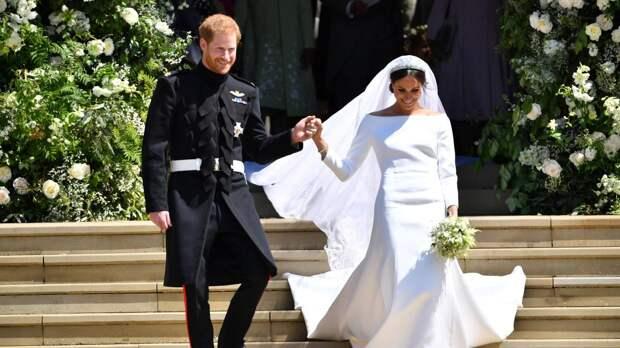 Королеву удивил белый цвет свадебного платья Меган Маркл