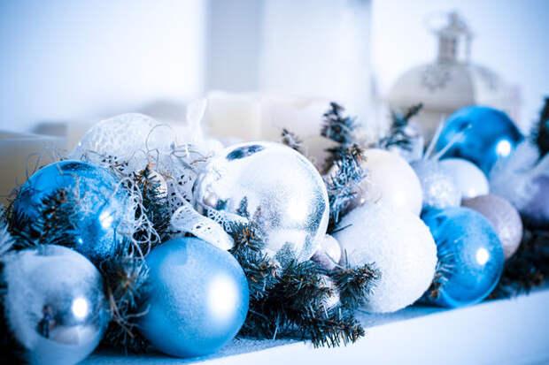 Для декора предпочтительнее темно-синий или голубой цвета