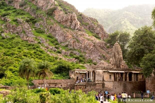 Форт Бхангар, Индия