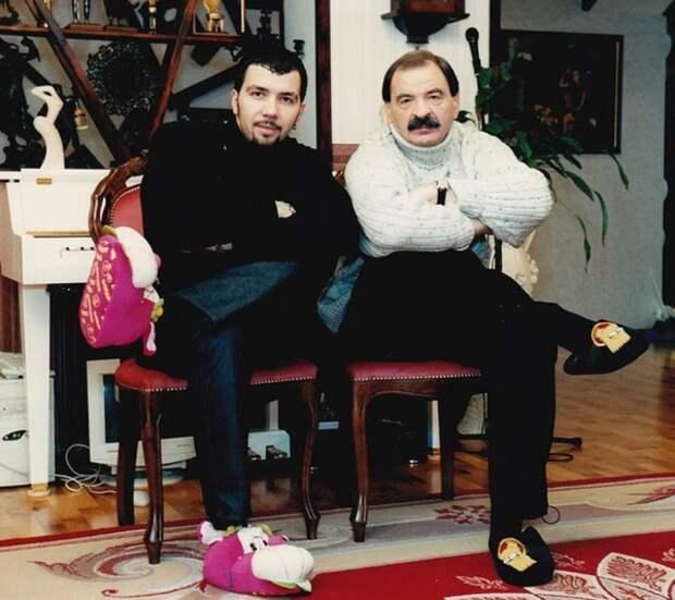 С сыном Денисом Клявером